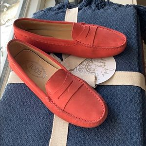 TODS driving shoe - coral loafer